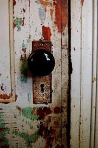többpontos zár, ötpontos zár, műanyag ajtó zár oldalunkon!